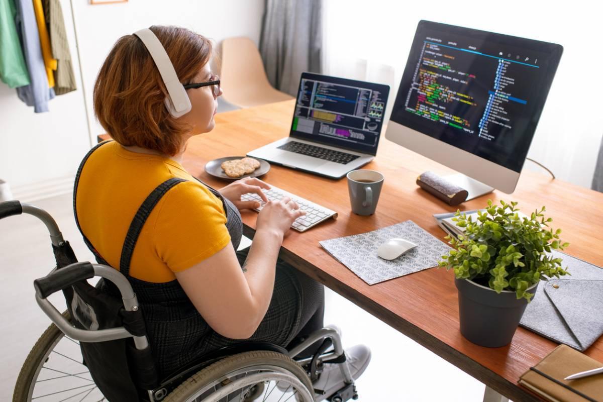 PC tout-en-un : optimiser salle informatique et bureaux pour accueillir plus de personnel