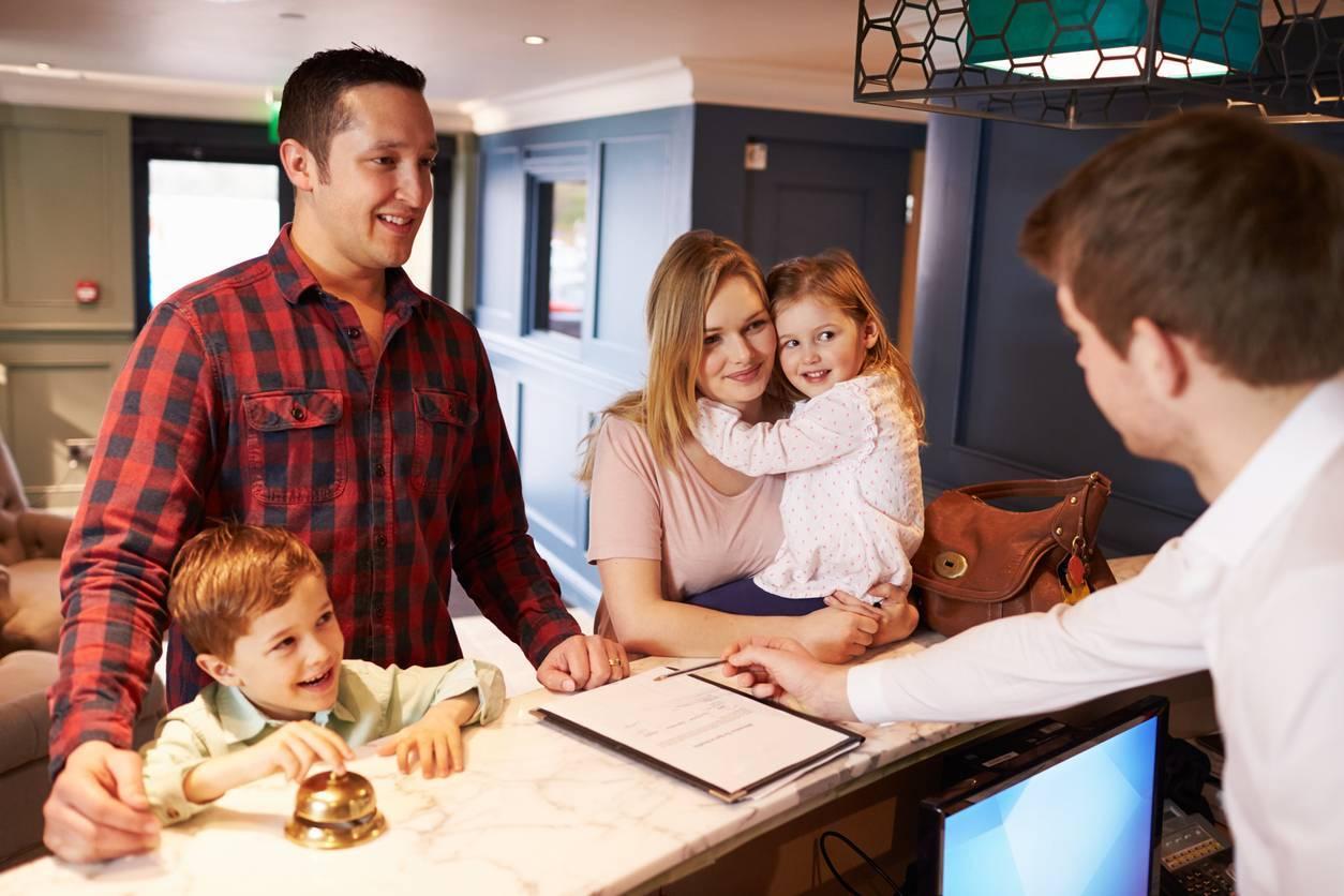 réservation accueil hôtel hôtellerie